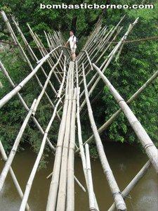 Borneo height, Sarawak, kuching, Malaysia, padawan, stream, waterfall, nature, skulls, headhunter, traditional, village, dayak, native, bidayuh, village, indigenous, jungle, rainforest, bengoh dam, Ayun, trekking