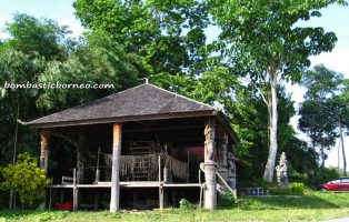 West Kutai Barat, Sendawar, adventure, Borneo, Bugis, Benuaq, East Kalimantan, Indonesia, Kalimantan Timur, outdoor, village, sungai Mahakam River, Gateway, ceremonial stage, ritual,