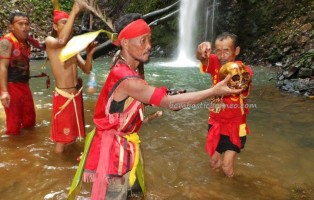 authentic village, Dusun Sujah, Dayak Bakati, bengkayang, indigenous, Nyabank'ng, nyobeng, Obyek wisata, paddy harvest festival, native, Seluas, spiritual, traditional, trekking, tribal, tribe, west kalimantan Barat, Indonesia event,