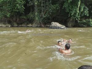air terjun, authentic, Borneo, Ethnic, indigenous, Kecamatan Air Besar, Mananggar, Melanggar, nature, Obyek wisata, outdoor, Sungai Landak River, tribal, tribe, Waterfall, west kalimantan Barat,