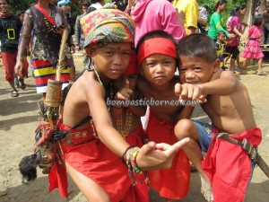 authentic village, baruk, Bengkayang, Ritual Ceremony, culture tourism, Desa Hli Buei, Dusun Sebujit, Borneo event, Nibakng, nyobeng gawai, paddy harvest festival, Rumah Adat Baluk, Siding, skull house, spiritual healing, traditional, tribal, Wisata Budaya,