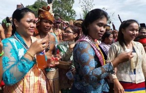 authentic village, Bengkayang, ritual Ceremony, cultural tourism, Bidayuh culture, indigenous, Indonesia event, Kampung Gumbang, Nyobeng native, outdoor, paddy harvest festival, palm wine, Sarawak, thanksgiving, traditional, tribal, tribe, Wisata Budaya,