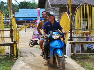 Motorbike ride, authentic, baluk, dayak bidayuh, Desa Hli Buei, Dusun Butut, Iyang, gawai Harvest Festival, indigenous, indonesia, native, Nyobeng, outdoor, traditional, trekking, tribal, tribe, rainforest,