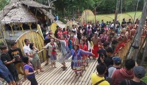 Baruk, Bengkayang, cultural tourism, Desa Hli Buei, Dusun Sebujit, Dayak event, indigenous, indonesia, Nibakng, nyobeng, adat, paddy harvest festival, ritual, Siding, spiritual, thanksgiving, tribal, tribe, Wisata Budaya,