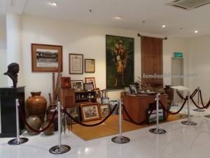 beads, culture, dayak iban, Ethnic, handicrafts, jewellery, Kuching, malaysia, native, pua kumbu, tourism, tourist attraction, tradition, Textile Museum, Useful information, weaving,