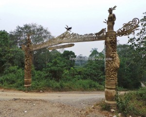 authentic, Berau, Borneo, budaya, culture, east kalimantan timur, indigenous, native, sculptures, Suku Dayak Kenyah, Sungai Kelay, Totem Pole, tourist attraction, traditional, tribal, tribe, village,