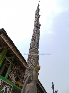 adventure, authentic, Budaya Borneo, culture, totem pole, ethnic, indigenous, Kongbeng, Kutai Timur, Miau Baru, native, Obyek wisata, sculptures, Tourism, traditional, travel, tribal, tribe,