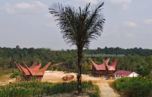 rumah adat tator, authentic, Borneo, Ethnic, indigenous, Kaltim, native, Obyek wisata, Samarinda, Sepinggan International Airport, Tongkonan, Torajan Traditional House, South Sulawesi, Dayak, tourist attraction,