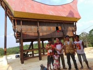 rumah adat tator, authentic, Borneo, Ethnic, indigenous, Kaltim, native, Obyek wisata, Samarinda, Sepinggan International Airport, Tongkonan, Torajan Traditional House, South Sulawesi, Dayak, travel guide,