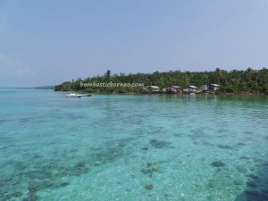 adventure, Bajau, Berau, Borneo, dive center, authentic fishing village, hidden paradise, indigenous, Kampung Teluk Alulu, Obyek wisata, outdoors, Pulau, beaches, Suku Bajo, tourist attraction, travel guide