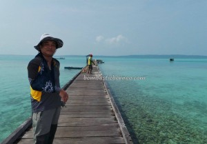 adventure, authentic, Bajau, Celebes Sea, Derawan Archipelago, diving spot, east kalimantan timur, fishing village, indigenous, Kampung Teluk Alulu, nature, island, beaches, Suku Bajo, Tourism, tourist attraction, travel guide