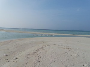 adventure, Borneo, Derawan Archipelago, East, Gusung Sanggalau, hidden paradise, nature, Obyek wisata alam, outdoors, Pulau Pasir, tourist attraction, travel guide, vacation, white sandy beaches,