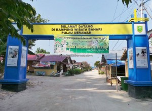 Bajau Fishing village, Berau, Derawan Archipelago, Island, diving, East Kalimantan Timur, hidden paradise, homestay, Indonesia, marine life, Obyek wisata, pantai pasir putih, snorkeling, Tourism, tourist attraction, underwater, vacation, white sandy beaches
