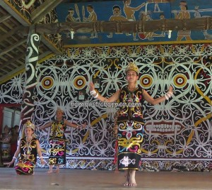 Borneo culture, Desa Setulang, village, event, indigenous, North Kalimantan Utara, Lamin Adat Adjang Lidem, longhouse, Kota Malinau Selatan Hilir, native, Obyek wisata budaya, orang asal, Suku Dayak, Tourism, tourist attraction, traditional, travel guide, Irau,
