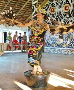 authentic, Indonesia, Desa Setulang, Ethnic, event, North Kalimantan Utara, Lamin Adat Adjang Lidem, longhouse, Malinau Selatan Hilir, native, Obyek wisata budaya, orang asal, Tourism, tourist attraction, traditional, travel guide, tribal, village,