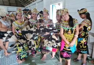 authentic, culture, Desa Setulang, Ethnic, indigenous, North Kalimantan Utara, Lamin Adat Adjang Lidem, native, Obyek wisata, orang asal, Suku Dayak Kenyah, Tourism, tourist attraction, traditional, travel guide, tribal, tribe,