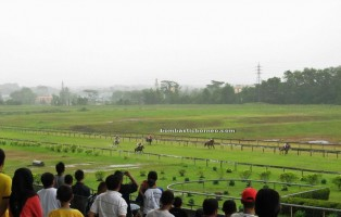 activities, betting, event, gamble, horse race, racing, Jalan Penrissen, jockey, sports, race course, Sarawak Turf Club, Tourism, tourist attraction