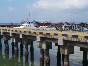 feri ride, Indonesia, ferry terminal, Imigrasi, Immigration checkpoint, Kota Tarakan, Pelabuhan Malundung, wharf, port, Tawau, Tourism, tourist attraction, crossborder, transborder, Transportation, travel guide, Malaysia,