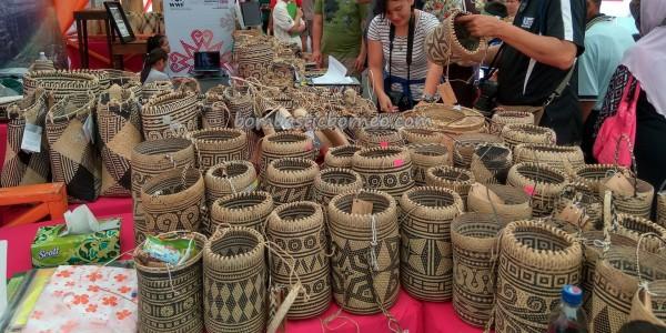 Indigenous, aboriginal, crafts festival, handicrafts, Kraftangan, culture, dayak motif, event, Kuching Waterfront, Malaysia, Borneo, Penan, Rattan Basketry, rotan bags, Tourism, traditional, tribal,