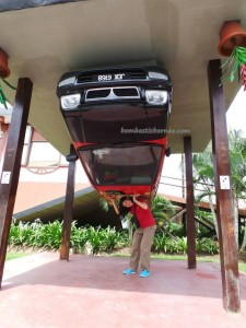 West Coast Division, 3D Wonders Museum, architectural, Design, Malaysia, Borneo, Tamparuli, Obyek wisata, Tourism, tourist attraction, travel guide, Upside Down House, Rumah Terbalik, Useful information,