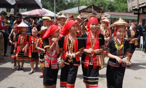 indigenous, Dayak Bidayuh, native, tribal, tribe, culture, event, Kampung Taee, village, Kuching, Serian, Borneo, paddy harvest, Tourism, tourist attraction, traditional, 沙捞越丰收节日