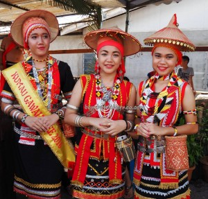 indigenous, kumang, Dayak Bidayuh, native, tribe, culture, event, backpackers, Kampung Taee, village, Kuching, Serian, paddy harvest, tourism, traditional, travel guide, 沙捞越丰收节日