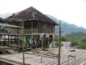 outdoor, authentic, Indigenous, Bidayuh, ttransborder, Dusun Gun Tembawang, Ethnic, Kalimantan Barat, kampung sapit, Baruk, Sarawak, native, trekking, tribal, tribe, village,