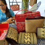 Indigenous, native, handicrafts, Kraftangan, culture, dayak motif, event, Kuching Waterfront, Borneo, rotan weaving, souvenir, tourist attraction, tribal, tribe, 沙捞越, 原著民藤制手工艺品, 马来西亚