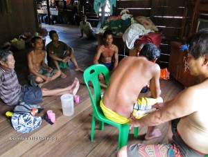 community services, charity, authentic, Indigenous, transborder, Dusun Gun Tembawang, Borneo, Kalimantan Barat, kampung, Malaysia, Sarawak, native, traditional, trekking, village, muscle, muscular detox,