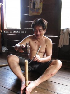 authentic, Indigenous, transborder, Dusun Gun Tembawang, Borneo, indonesia, West Kalimantan, kampung sapit, Kuching, Sarawak, trekking, tribal, tribe, village, alternative medicine, muscle detox,
