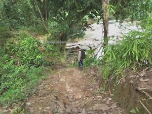 authentic village, indigenous, backpackers, Bengkayang, Desa Bengkawan, Borneo, gawai dayak, obyek wisata, tourist attraction, crossborder. transborder, travel guide, native, nature, Waterfall, riam,