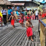 backpackers, authentic, cultural dance, dayak bidayuh, tribe, tribal, event, Nyobeng gawai, paddy harvest festival, village, Siding, Kalimantan Barat, Obyek wisata, Rumah Adat Baluk, traditional, travel guide, tourist attraction,