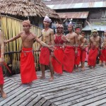 Backpackers, authentic, Indigenous, cultural dance, dayak bidayuh, native, tribe, tribal, ritual ceremony, gawai harvest festival, village, Bengkayang, Indonesia, West Kalimantan, Obyek wisata adat, traditional, tourist attraction,