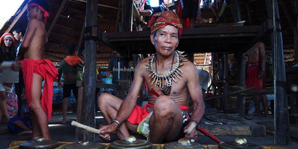 Indigenous, culture, budaya, dayak bidayuh, native, tribe, ritual ceremony, backpackers, village, Borneo, Indonesia, Kalimantan Barat, Rumah Adat Baluk, skull house, traditional, travel guide, tourist attraction,