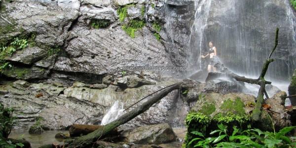 nature, hiking, jungle, rainforest, air terjun Sinutut, native, backpackers, Borneo Heights, dayak bidayuh, Village, Kuching, Malaysia, Padawan, Tourism, tourist attraction, travel guide, 沙捞越瀑布