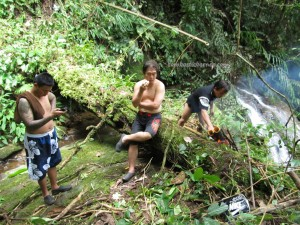adventure, outdoor, nature, trekking, jungle, rainforest, Sinutut waterfall, authentic, native, tribe, backpackers, Borneo Heights, Kampung, Malaysia, tourist attraction, travel guide, 沙捞越瀑布