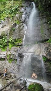 adventure, outdoor, nature, hiking, jungle, rainforest, waterfall, native, backpackers, Borneo Highlands, dayak bidayuh, Kuching, Padawan, Tourism, tourist attraction, travel guide, 沙捞越瀑布