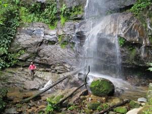 adventure, outdoor, trekking, jungle, rainforest, waterfall, authentic, backpackers, Borneo Heights, dayak bidayuh, Village, Kuching, Padawan, Tourism, tourist attraction, travel guide, 沙捞越瀑布