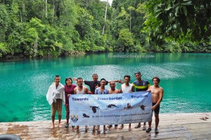 adventure, outdoor, nature phenomenon, Danau Labuan Cermin, lake, tasik, backpackers, destination, Berau, Biduk-Biduk, East Kalimantan, Keajaiban Dua Rasa, Obyek wisata, Tourism, travel guide, useful information, vacation,