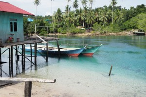 adventure, nature phenomenon, hidden paradise, Tasik Labuan Cermin, backpackers, holiday, Berau, Borneo, Tourism, tourist attraction, travel guide, fishing village, Useful information, homestay, beach, pantai,
