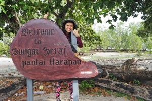 adventure, outdoor, nature phenomenon, hidden paradise, Labuan Cermin lake, backpackers, vacation, Berau, Borneo, Indonesia, Obyek wisata, Tourism, travel guide, fishing village, useful information, beach,