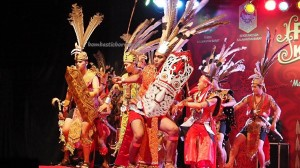 Bujang Dara, authentic, culture, event, Pekan Gawai, harvest festival, Pontianak, native, Borneo, Rumah Radakng, Tourist attraction, tourism, traditional, tribal, tribe, 婆罗洲原著民丰收节日