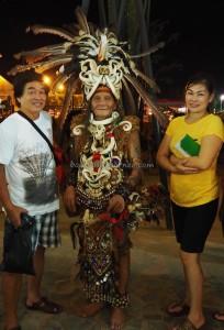 authentic, backpackers, Adat budaya, culture, Pekan Gawai, harvest festival, Pontianak, Borneo, West Kalimantan, Tourism, traditional, travel guide, tribal, tribe, 婆罗洲原著民
