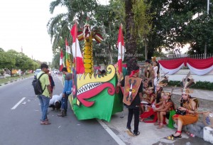 indigenous, cultural dance, Borneo, 中加里曼丹, Palangka Raya, carnival, event, street parade, Obyek wisata, Ethnic, native, Suku Dayak, Tourism, traditional, travel guide, tribal,