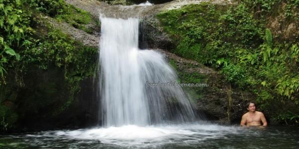 adventure, outdoor, nature, trekking, jungle, rainforest, air terjun, Ban Buan Kukuot, backpackers, Borneo Highlands, village, Kuching, tourist attraction, travel guide, 沙捞越瀑布