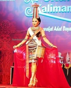 Beauty contest, authentic, Indigenous, culture, event, Pekan Gawai Dayak, harvest festival, native, Kalimantan Barat, Tourism, tourist attraction, traditional, travel guide, tribal, tribe, 婆罗洲原著民丰收节日