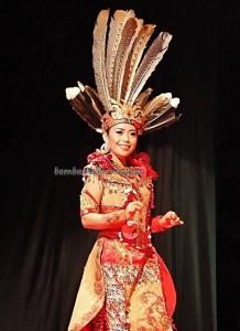Bujang Dara, authentic, Indigenous, backpackers, budaya, event, harvest festival, native, Borneo, West Kalimantan, Tourism, tourist attraction, traditional, travel guide, tribal, 婆罗洲原著民丰收节日