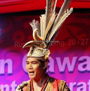 Beauty contest, authentic, Indigenous, budaya, culture, harvest festival, native, Borneo, Indonesia, Kalimantan Barat, Tourism, tourist attraction, traditional, travel guide, tribal, 婆罗洲原著民丰收节日