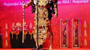 Beauty contest, authentic, Indigenous, culture, Pekan Gawai, native, Borneo, Kalimantan Barat, Rumah Radakng, Tourism, tourist attraction, travel guide, tribal, tribe, transborder. 婆罗洲原著民丰收节日