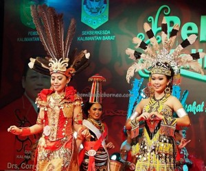 Beauty contest, authentic, Indigenous, budaya, event, Borneo, Pekan Gawai Dayak, harvest festival, native, Kalimantan Barat, Rumah Radakng, tourism, traditional, tribal, tribe, 婆罗洲原著民丰收节日